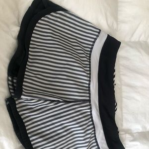 Striped lulu shorts